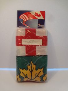 1 new Ontario Canada Flag 36 X 72 Flags Unlimited duraknit rope and toggle