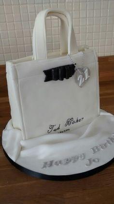 Ted baker cake Shoe Box Cake, Shoe Cakes, 3d Cakes, Fondant Flower Cake, Fondant Bow, Fondant Cakes, Chocolate Fondant, Modeling Chocolate, Baker Cake
