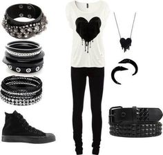 Black heart outfit. Scene/emo