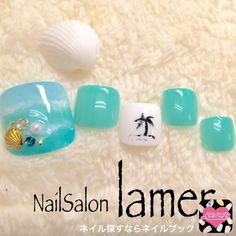 ぷるんっとカラーが魅力的なフットネイル(yukari) 夏フットネイル