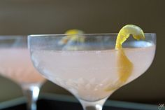Valentines Day champagne grapefruit cocktail