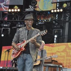 Keb Mo - One of my favorite blues performers - wonderful live performer.