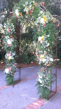 #weddingarch #sunshineflowers