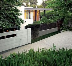 Chalon Road Residence, Contemporary House in Los Angles