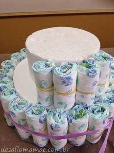 Resultado de imagem para bolos de fraldas para cha de bebe