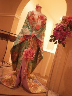 新作色打掛のご紹介♪::Vieux Paris【ヴュ・パリ】公式ブログ 結婚式のウェディングドレス、カラードレス、和装のレンタルならヴュ・パリ