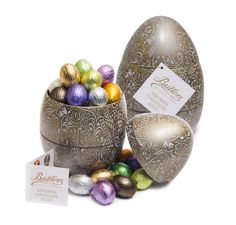 A gorgeous Easter assortment of filled chocolates eggs in milk, dark and white chocolate varieties including; Caramel, Lemon Truffle and Praline.