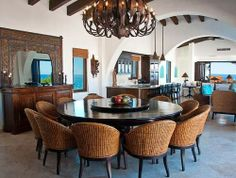 large round dining table is the best shape if you always have to entertain a large number of people