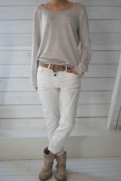 Miss Pepis - estilo casual - estilo urbano - estilo clasico - estilo natural - estilo boho - moda estilo - estilo femenino Mode Outfits, Casual Outfits, Fashion Outfits, Fashion Trends, Casual Jeans, Casual Sweaters, Girly Outfits, Classic Outfits, Fashion Clothes