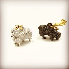 Sheeeep! Sheep!  Noahs Ark Charms For Joan Rivers Classic Collection... #noahsark #animals #sheep #charms #sheep #remijewels #style #joanrivers #classiccollection #pair