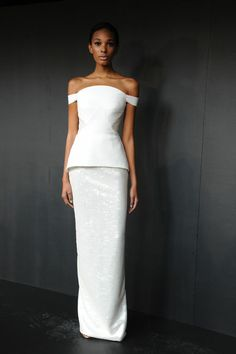 Pamella Roland Spring 2013 RTW. Sleek, simple, classy. And very wearable. This will look perfect with pops of gold for high glamour, or deep red for drama and a romantic edge.