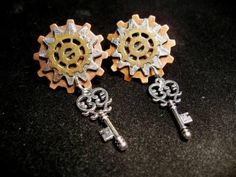Steampunk Gears and Keys earrings by CrystalTime on Etsy, $18.00