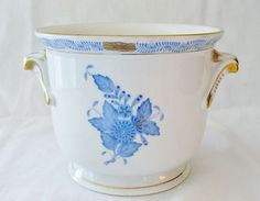 Herend Chinese Bouquet Blue w Gold Trim Porcelain Vase Urn Pot 7215 AB 6 Porcelain Vase, Urn, Bouquet, Chinese, Blue And White, Gold, Ebay, Collection, Bouquet Of Flowers