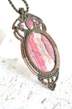 インカローズマクラメペンダントb - 旅する天然石とマクラメアクセサリーのお店 Macrame Jewelry MANO