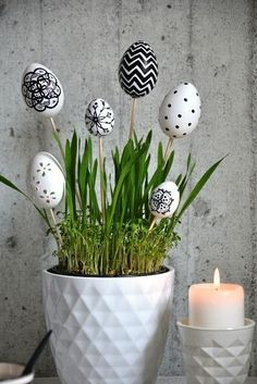 45 Next-Level Easter Eggs Decoration Ideas and Projects - Hercottage Diy Easter Decorations, Decoration Table, Decoration Restaurant, Egg Crafts, Easter Crafts, Easter Table, Easter Eggs, Diy Osterschmuck, Diy Ostern