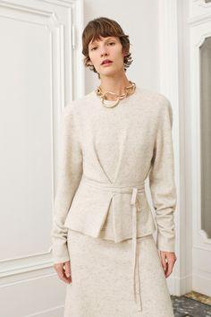 Agnona Pre-Fall 2020 Fashion Show - Vogue Vogue Paris, Fashion 2020, Fashion Show, Fall Fashion, Fashion Brands, Backstage, Cos Dresses, Matching Sweaters, Vogue Russia