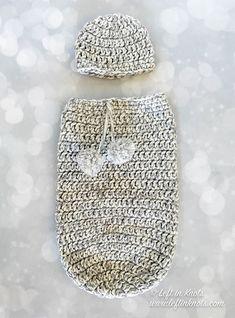 Crochet Baby Cocoon and Hat Set Free Crochet Pattern — Left in Knots Häkeln Baby Cocoon und Hut Set Free Crochet Pattern – Links in Knoten Crochet Baby Clothes, Newborn Crochet, Crochet Baby Hats, Baby Blanket Crochet, Free Crochet, Crochet Gifts, Simple Crochet, Booties Crochet, Chunky Crochet