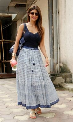 46 Skirts To Inspire - Women Fashion Trends Look Fashion, Indian Fashion, Fashion Women, Skirt And Top Dress, Looks Kim Kardashian, Casual Dresses, Fashion Dresses, Indian Skirt, Long Skirt Outfits