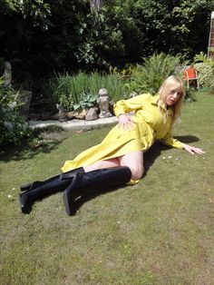 Enjoy this kinky blonde in her Rubber Rainwear! Some Might Say, Just Do It, Lucy Lucy, Rubber Catsuit, Hot Blondes, Vintage Magazines, Rain Wear, Get Dressed, Kinky