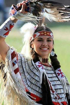 LOVELY NATIVE AMERICAN Best Picture For clothes for women office For Your Taste You are looking for something, and it is going to tell you exactly what you are looking for, a Native American Girls, Native American Images, Native American Beauty, American Indian Art, Native American History, American Indians, Native American Clothing, Native American Outfits, American Symbols