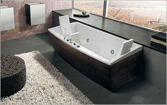 Donker-hout-afwerking-badkuip.jpg (1051×666)