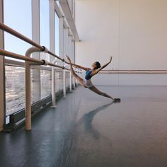 Find images and videos about dance, ballet and ballerina on We Heart It - the app to get lost in what you love. Dance Photography Poses, Dance Poses, Gymnastics Photography, Ballet Pictures, Dance Pictures, Dance Photo Shoot, Dance Dreams, Ballet Beautiful, Dancing In The Rain