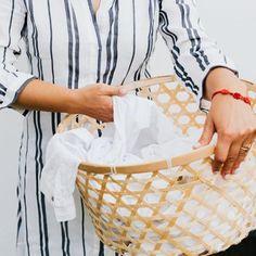 Definitief muizen verjagen met maar één ingrediënt Powder Laundry Detergent, Washing Detergent, Washing Soda, Flylady, Homemade Detergent, Bleach Uses, Clean Couch, Dry Cleaning Services, Detergent Bottles