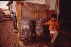Trinkwassertanks der Wohnhäuser im Navajo Reservat