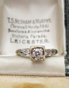 $575 14k White Gold Vintage Ring circa 1920