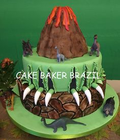 Bolo Dinossauro Dinosaur Birthday, 7th Birthday, Birthday Cakes, Jurassic World Cake, Let Them Eat Cake, Birthdays, Yummy Food, Baking, Volcano