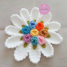 Huzur Sokağı ( Yaşama Değer Hobiler) Baby Knitting Patterns, Crochet Flower Patterns, Crochet Flowers, Crewel Embroidery, Embroidery Patterns, Acrylic Painting Inspiration, Seashell Crafts, Lace Flowers, Moda Emo