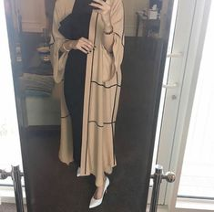 Beige and black 🖤 Hijab Fashion Summer, Modest Fashion Hijab, Modern Hijab Fashion, Street Hijab Fashion, Hijab Fashion Inspiration, Hijab Chic, Abaya Fashion, Iranian Women Fashion, Islamic Fashion
