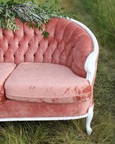PINK // we have a lot of options when it comes to pink statement pieces for your wedding or event!  Simple parlour chairs to full size sofas.  Watch stories today for lots of pink furniture pieces!!! . . Image @lindsay_skeans  . . #orangetrunkvintagerentals  #vintageyyc #vintage #vintageindustrial #loveislove #vintageweddingrentals #vintagestyle #yycvintage #yycevents #yycweddings #calgaryrentals #calgaryvintage #canadianwedding #calgaryweddingrentals  #yycboho #vintageboho  #confettiwedmag… Vintage Sofa, Vintage Furniture, Furniture Decor, Pink Furniture, Pink Velvet Sofa, Arts And Crafts Interiors, Bone Crafts, Bridal Bouquet Pink, Plastic Bottle Crafts