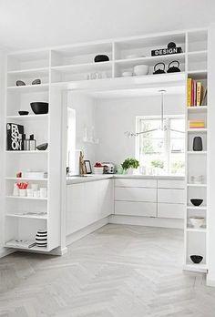 Binnenkant : Mooie overgang tussen keuken en kamer...