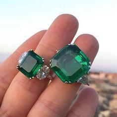Top Gems 17ct and 8ct Colombian Emeralds overlooking the eternal city  #ColombianEmeralds #Gemstones #GreenCandies #Eleuteri #Rome