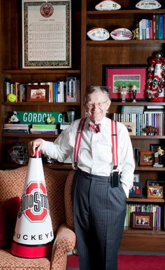 Gordon Gee,  OSU President.... When I met him, I felt like I was meeting some celebrity!  He really was a great school President!!