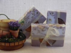Lavender Lemon is a cheery blend of lavender, lemon and just a touch of eucalyptus. ~Hand Made Soaps~