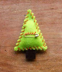 Pins navideños en fieltro