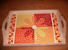 mosaic tray with flower by Lonneke Hendriks