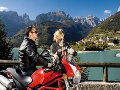 Motorcycle Dating Service for Biker Singles to Meet up for Love: 7 Reasons To Date A Biker Woman