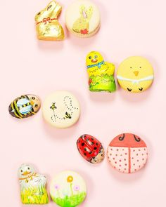 The cutest DIY Easter macarons inspired by Lindt chocolates for Spring! - sugar and cloth Lindt Chocolate, Luxury Chocolate, Lindt Gold Bunny, Beach Ball Cake, Cookie Monster Cupcakes, Diy Easter Decorations, Easter Celebration, Icing Recipe, Edible Art