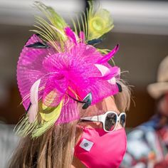 Pink feather Fascinator Kentucky Derby Hats, Racehorse, Pink Feathers, Thoroughbred, Fascinator, Photo And Video, Instagram, Fashion, Moda