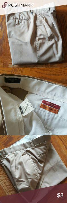 Khaki dockers Khaki Dockers men's pants. Great condition. Barely worn. Dockers Pants Chinos & Khakis