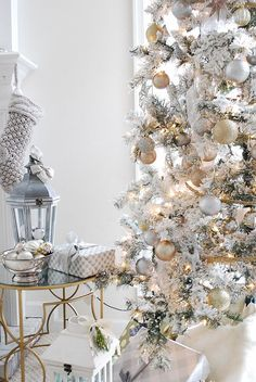 All White + Gold Christmas Decor #home #style #decor
