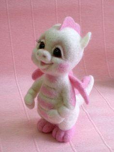 """Дракоша """"Зефирка"""" - авторская игрушка,валяная игрушка,дракончик,дракон"""