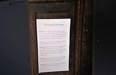 В Великобритании растут протесты духовенства против либеральной политики Церкви: на дверях соборов все чаще появляются листовки с «декларацией», исполненной в том же стиле и духе, что и знаменитые «95 тезисов» Мартина Лютера, сообщает 316NEWS со ссылкой на invictory.com.  Новое реформаторское дви