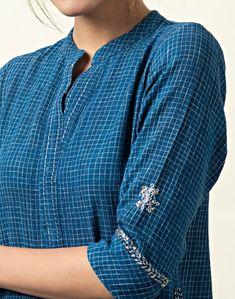 Simple Kurti Designs, Kurta Designs, Dress Designs, Embroidery On Kurtis, Kurti Embroidery Design, French Knot Embroidery, Kurta Neck Design, Indian Designer Wear, Indian Wear