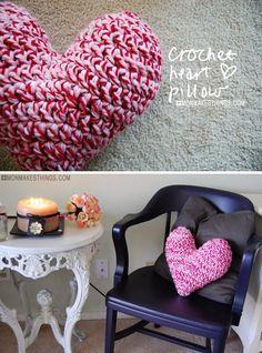 mon makes things: Crochet Heart Pillow..free pattern!