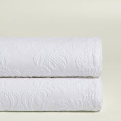 Image 1 of the product TEXTURED COTTON BEDSPREAD WITH FLORAL MOTIF