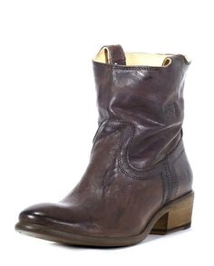 Frye Women's Carson Tab Short Boot - Dark Brown  http://www.countryoutfitter.com/products/32849-womens-carson-tab-short-boot-dark-brown #booties